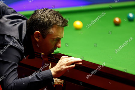 Alan McManus during the semi final on day 14 of the Betfred World Snooker Championship