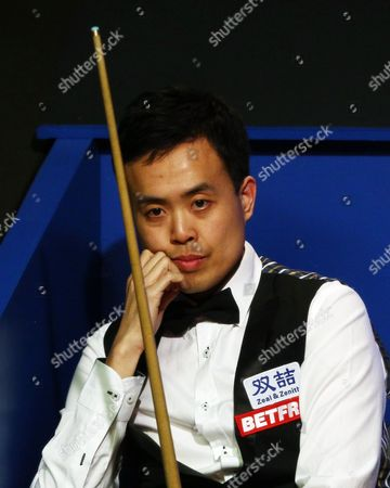 Marco Fu during the semi final on day 15 of the Betfred World Snooker Championship 2016 at the Crucible Theatre, Sheffield on 29th April 2016