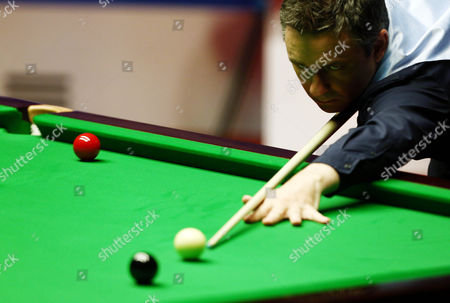 Alan McManus during the semi final on day 15 of the Betfred World Snooker Championship 2016 at the Crucible Theatre, Sheffield on 29th April 2016