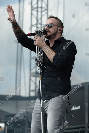 Adam Gontier of Saint Asonia