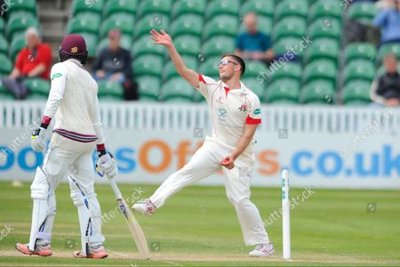 Lancashire's Simon Kerrigan during the Specsavers County Champ Div 1 match between Somerset County Cricket Club and Lancashire County Cricket Club at the County Ground, Taunton