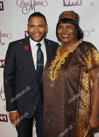 Stock Photo of Anthony Anderson, and his mother Doris Bowman