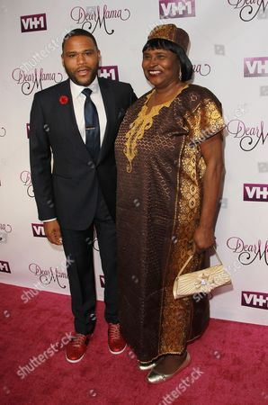 Stock Picture of Anthony Anderson, and his mother Doris Bowman