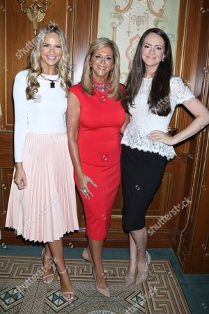 Joy Mangano (C) with her daughters Jacqueline Miranne (L) and Christie Miranne (R)