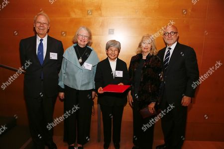 Stock Image of Thomas Gaehtgens, Mimi Gardner Gates, Fan Jinshi, Marcia Reed and Jim Cuno