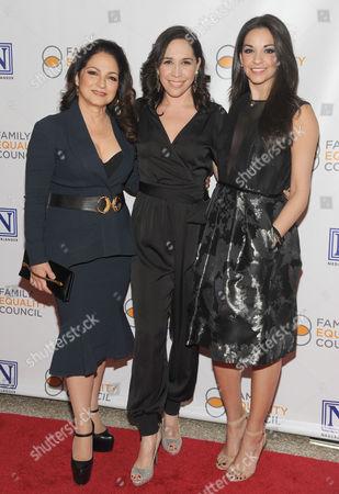 Gloria Estefan, Andrea Burns, Ana Villafane