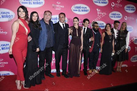 Fabiola Guajardo, Sofia Sisniega, Jesus Ochoa, Karla Souza, Ricardo Abarca, Mauricio Barrientos, Erick Elias