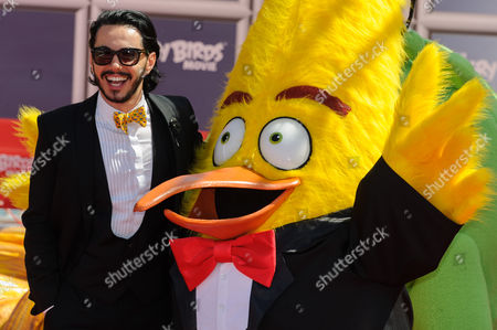 Timur Rodriguez (the voice of 'Chuck' in the Russian language version) with Angry Birds