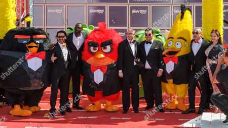 L-R:  Timur Rodriguez ('Chuck', Russia)  Omar Sy ('Red', France)  John Cohen (film producer)  Josh Gad ('Chuck', English language)  Maccio Capatonda (Red', Italy)  Raya Abirached ('Matilda', Middle East) with Angry Birds