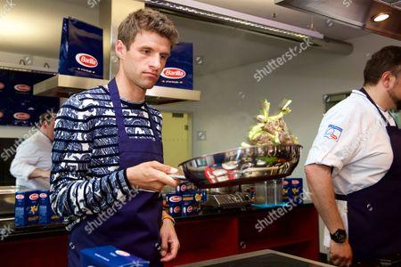 Thomas Muller promotes Barilla Pasta