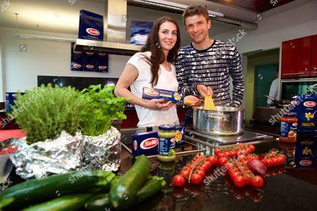 Lisa Trede and Thomas Muller promote Barilla Pasta