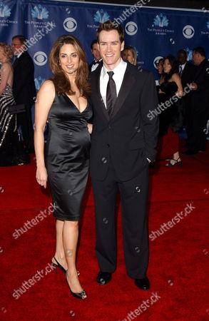 Lisa Ann Russell and Mark Paul Gosselaar
