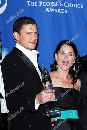Stock Picture of Wentworth Miller and Robin Tunney