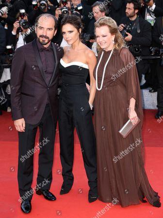 Victoria Beckham (C) with Caroline Gruosi Scheufele