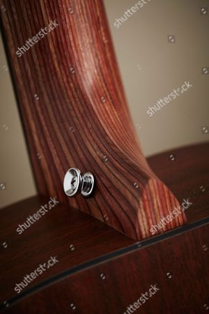 Detail Of The Birch Laminate Neck On A Martin 00x1ae Electro-acoustic Guitar