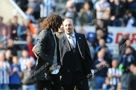 Newcastle United manager Rafa Ben'tez chats to Fabricio Coloccini of Newcastle United after the final whistle during Newcastle United vs Tottenham Hotspur, Barclays Premier League Football at St. James' Park on 15th May 2016