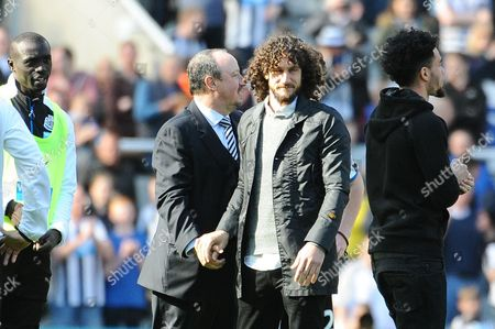 Fabricio Coloccini of Newcastle United shakes Newcastle United manager Rafa Ben'tez hand during Newcastle United vs Tottenham Hotspur, Barclays Premier League Football at St. James' Park on 15th May 2016