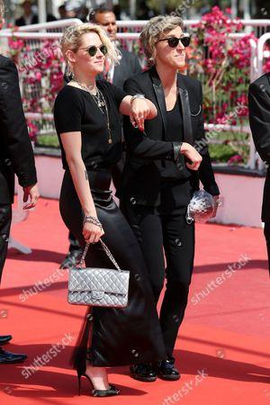 Kristen Stewart and Alicia Cargile dancing