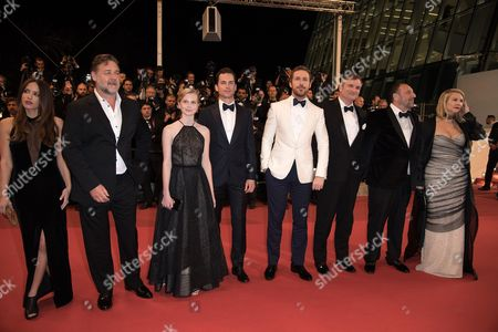 Murielle Telio, Russell Crowe, Angourie Rice, Matt Bomer, Ryan Gosling, Shane Black, Joel Silver and wife