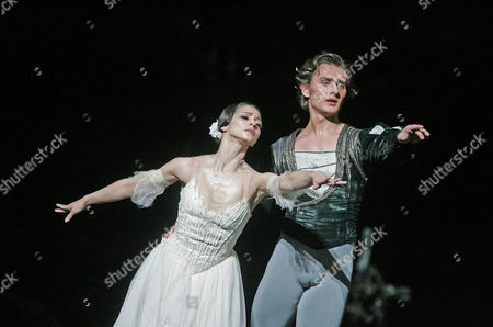 'Giselle' by the Royal Ballet - Roberta Marquez and Ivan Putrov