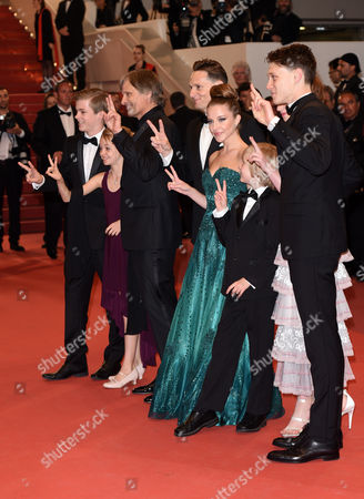 Viggo Mortensen, Annalise Basso, Nicholas Hamilton, Charlie Shotwell, Samantha Isler, Shree Crooks and Matt Ross