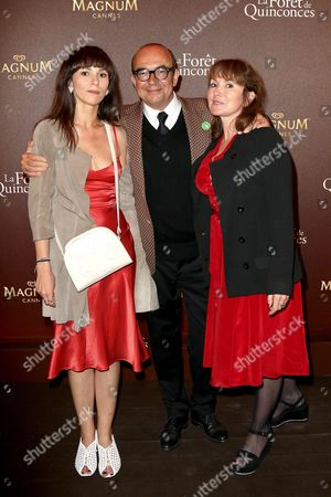 Stock Image of Karl Zero, his daughter Eloise and his wife Daisy d'Errata