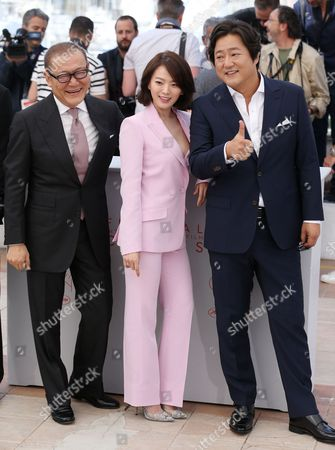 Jun Kunimura, Chun Woo Hee and Hawk Do Won