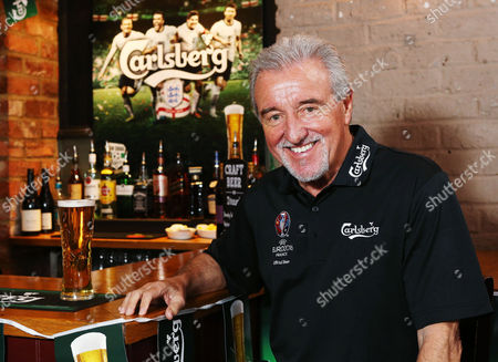 Terry Venables promotes Carlsberg UEFA Euro 2016 Pubstitutions at the Famous Three Kings in Fulham
