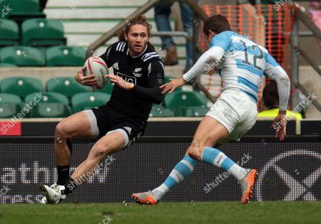 New Zealand 7s Gillies Kaka during Pool D Argentina against New Zealand HSBC World Rugby Sevens Series Round 10 at Twickenham stadium on 21st May 2016