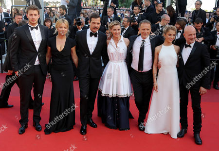 Jonas Bloquet, Virginie Efira, Laurent Lafitte, Anne Consigny, Charles Berling, Alice Isaaz and Christian Berkel