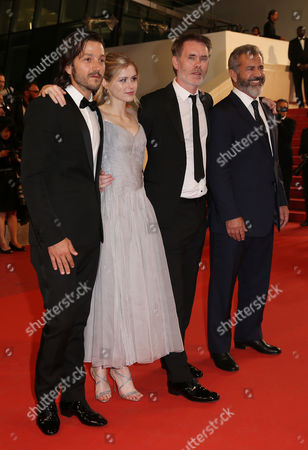 Diego Luna, Erin Moriarty, Jean-Francois Richet and Mel Gibson