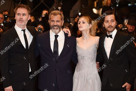Jean-Francois Richet, Mel Gibson, Erin Moriarty and Diego Luna