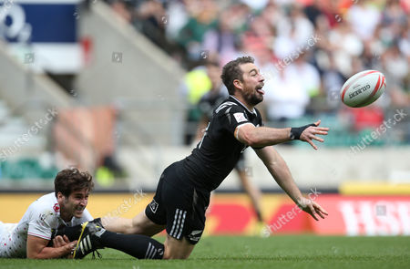 New Zealand's Kurt Baker is tackled by England's Ollie Lindsay-Hague during the HSBC World Rugby Sevens Series, Plate Semi Finals in London between England and New Zealand played at Twickenham Stadium, London, on May 22nd 2016