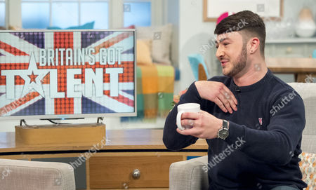 Stock Picture of Lorraine Kelly and Wayne Woodward
