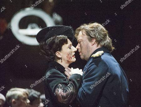 Sarah Connolly as Jocasta, Johan Reuter as Oedipe