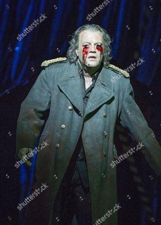 Johan Reuter as Oedipe