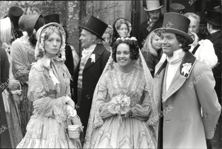 Filming Of The Bbc Christmas Melodrama 'east Lynne' In Somerset. Picture Shows L-r: Jane Asher Kenneth Connor Gemma Craven And Martin Shaw. Box 631 33009159 A.jpg.