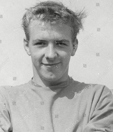 Tony Read (aka: John Anthony Read) Sheffield Wednesday F.c. Footballer. Box 633 908101519 A.jpg.