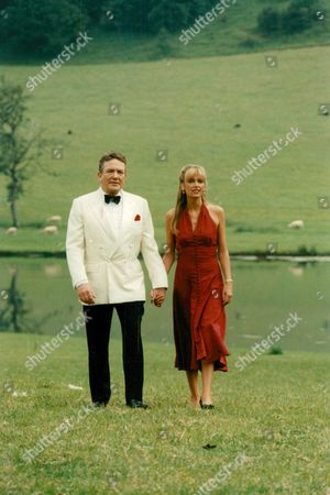Albert Finney And Sarah Berger In The Tv Programme: The Green Man. Box 634 111310154 A.jpg.