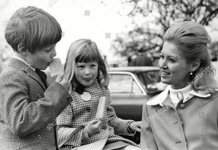 Countess Bathurst (nee: Judith Nelson) With Two Of Her Children Allen Christopher Bathurst 8 And Lady Henrietta Bathurst 7. Box 634 513101539 A.jpg.