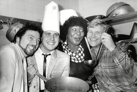 Tv Programme: Game For A Laugh. L-r: Jeremy Beadle Martin Daniels Rustie Lee And Lee Peck. Box 634 813101517 A.jpg.
