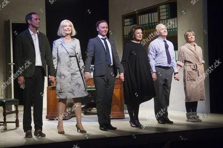 Steve John Shepherd (Cast), Jane Wymark (Cast), Joseph Prowen (Cast), Ann Mitchell (Cast), Bruce Alexander (Cast) and Sarah Alexander (Cast) during the curtain call