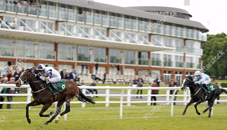 RAPACITY ALEXANDER (John Egan) wins The John And Hazel Peek 80th Birthday Novice Median Auction Stakes Lingfield