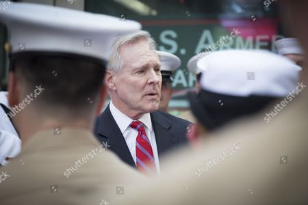 Secretary of the Navy (SECNAV) Ray Mabus speaks to US Navy Sailors and Marines at the SelfieWithTheSecNav event at the Armed Forces Recruiting Station in Times Square during Fleet Week NY 2016.