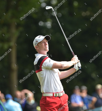 David Horsey plays off the 2nd tee in the 3rd round of The BMW PGA Championship Golf @ Wentworth. 28.5.16. Pic: Hugh Routledge