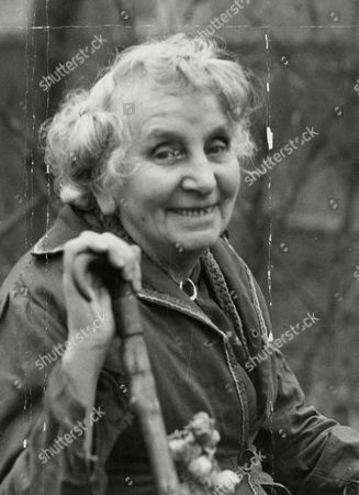 Stock Picture of Mrs Lily Mortimer Shepherdess Of Hampstead Heath. Box 636 516101543 A.jpg.