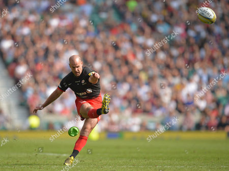 Charlie Hodgson of Saracens converts the try during the Aviva Premiership Rugby Final match between Saracens and Exeter Chiefs played at Twickenham Stadium, London on May 28th 2016