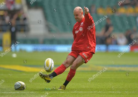 Charlie Hodgson of Saracens warms-up during the Aviva Premiership Rugby Final match between Saracens and Exeter Chiefs played at Twickenham Stadium, London on May 28th 2016