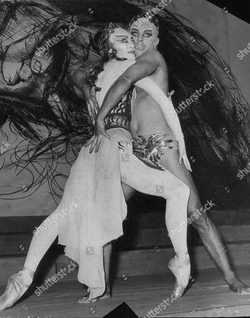 Monica Mason And Derek Rencher Dancing In The Ballet 'elektra'. Box 637 615101528 A.jpg.