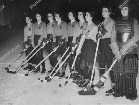 Women's Ice Hockey Team L-r: Miss K. Cohen Miss J. Boyes Miss N. Davis Miss D. Cooper Miss C. Smith-wright Miss S. Polson Miss K. Culverhouse Mrs E. M. Marus Miss B. M. Umney Known As 'bubbles' Umney. Box 638 619101545 A.jpg.